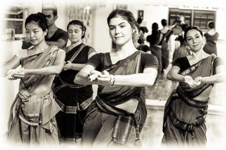 danse-indiennyoga-lyon